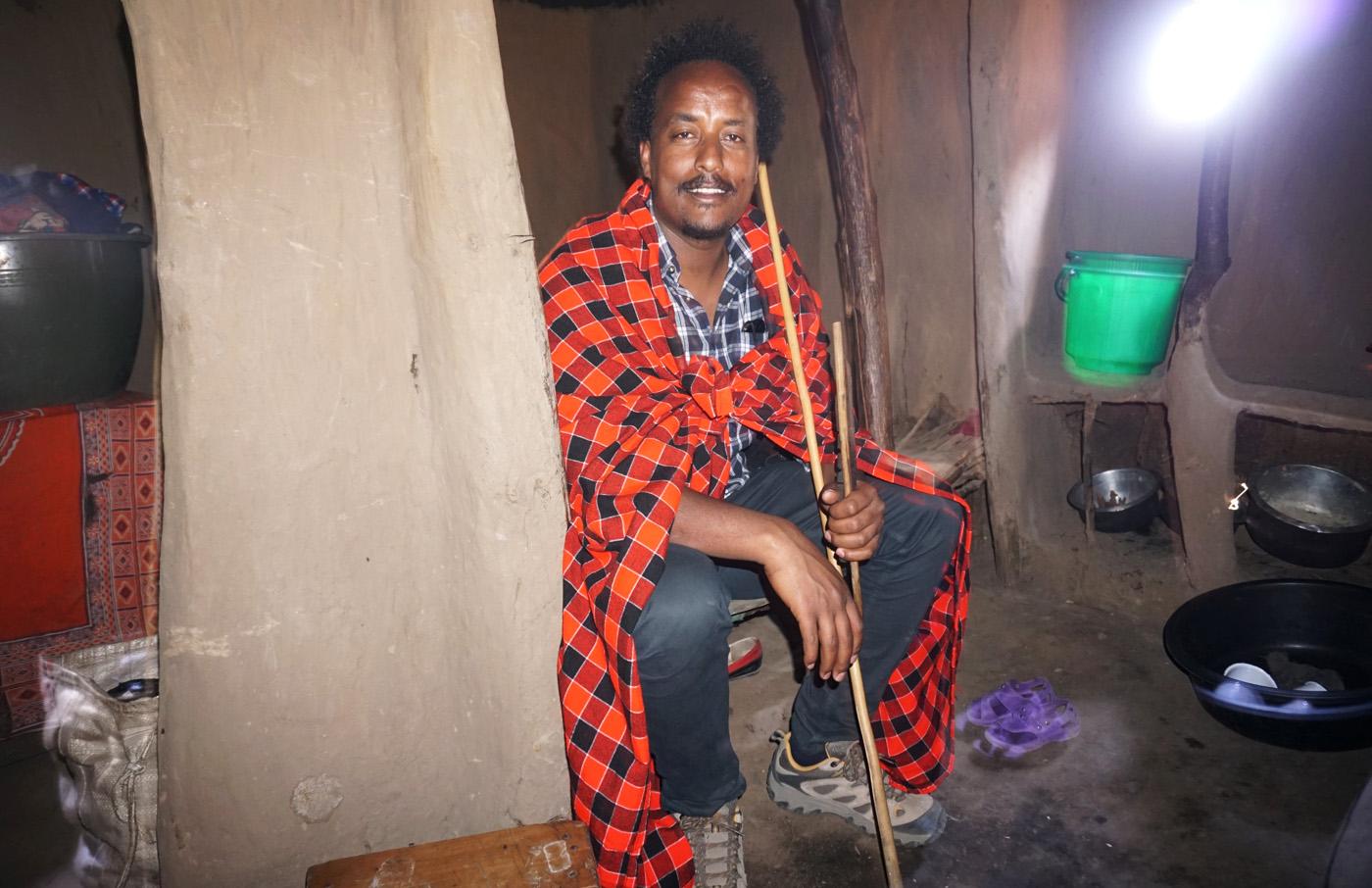 Friendly moments with the Maasai in their Bomas (Ololaimutia village, Kenya)